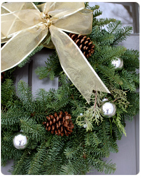 Green and gold christmas wreath