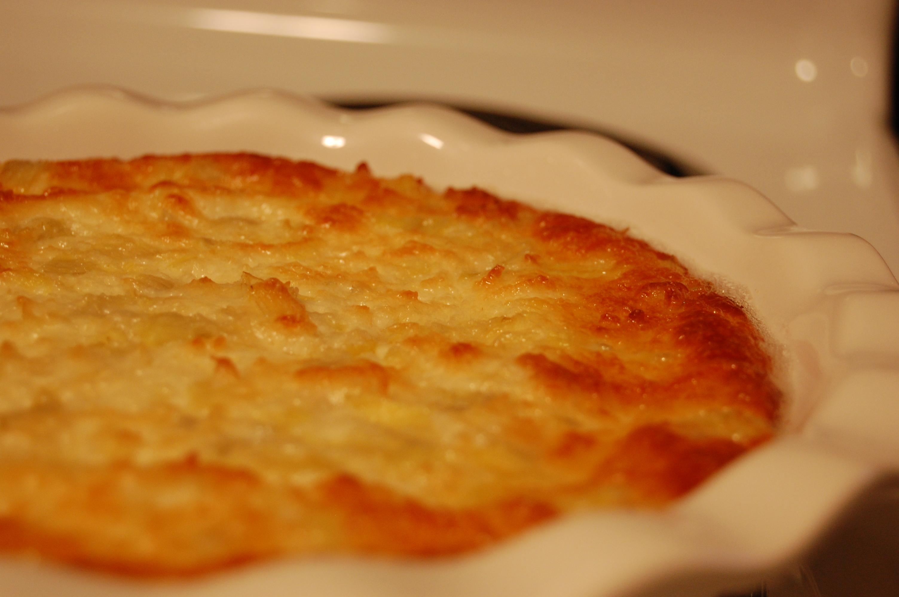Cheesy baked Artichoke Dip |