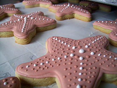 starfish decorated cookie