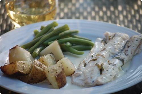 Grilled white fish in lemon basil cream sauce for Lemon cream sauce for fish