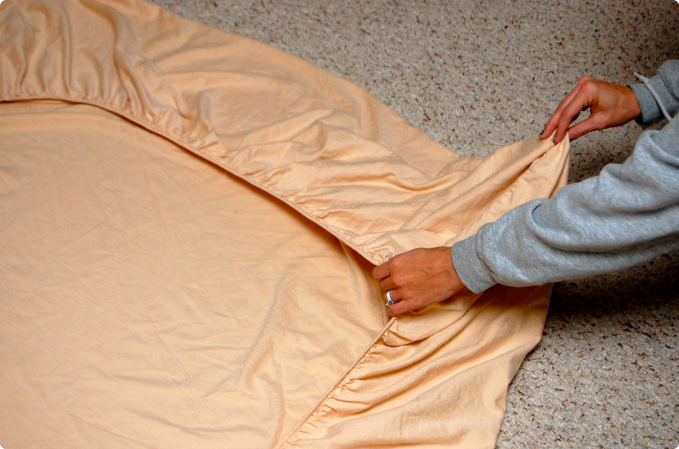 Fitted Sheet Folding