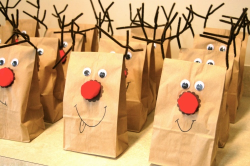 Rudolph the Reindeer Treat Bags via Haute Apple Pie