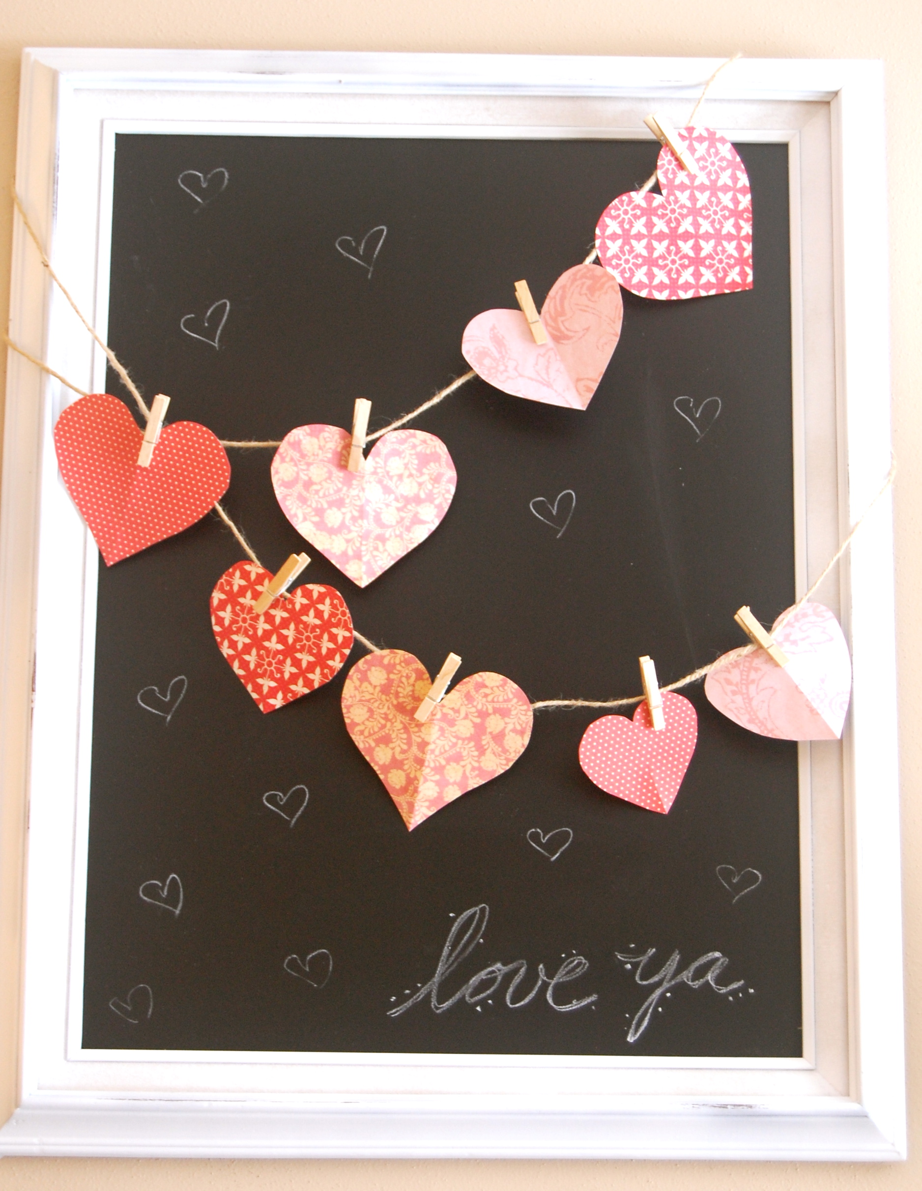 Diy valentine chalkboard decor for Valentine s day room decor