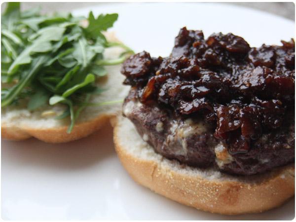 blue-cheese-burger2