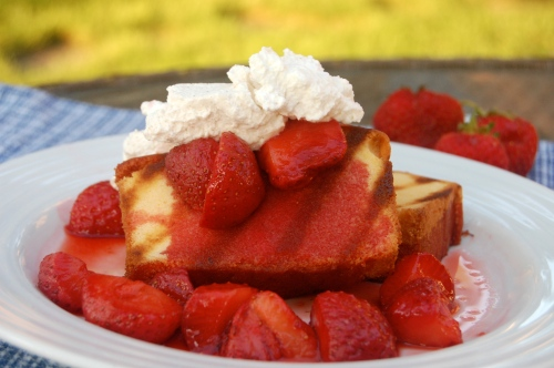 grilled poundcake and strawberries